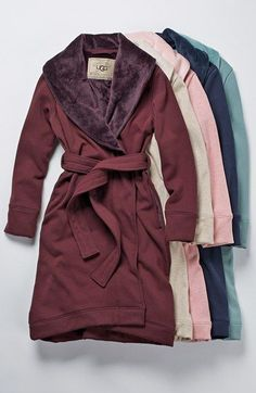 OMG UGG robes!! Talk about a luxurious gift!! YUM!