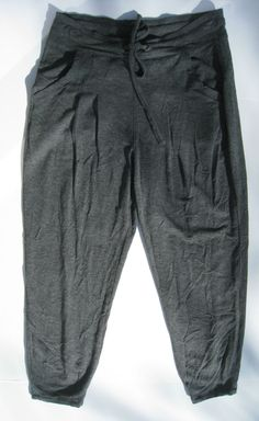 Athleta Sahaja Capri Yoga pants Charcoal Heather Grey XS NEW $79 #Athleta #PantsTightsLeggings