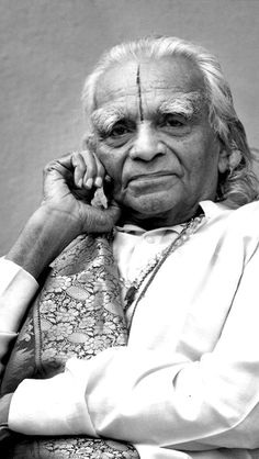 circa 2000 B.K.S Iyengar. #VintageYoga #BKSIyengar #IyengarYoga #YogaAsana #Asana #YogaHistory #YogaGuru