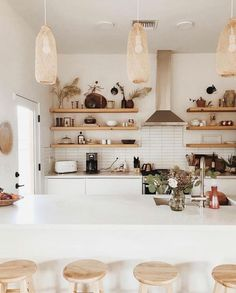 Bohemian Style 428545720793159001 - my scandinavian home: A Relaxed Tucson Home In Sun Kissed, Earthy Tones Source by bepicureo Style At Home, Hand Home, Scandi Living, Home Interior, Interior Design, Interior Minimalista, Inviting Home, Desert Homes, Scandinavian Home
