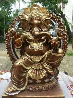 Ganesha Ganesh Lord, Sri Ganesh, Ganesha Art, Indian Gods, Indian Art, Hindu Worship, Ganesh Wallpaper, Ganesh Statue, Seahorse Art