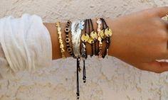 A moda Pulseirismo 2014 está super em alta! Aprenda a montar o seu mix de pulseiras e fique por dentro desta super tendência!