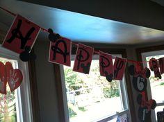 Custom Minnie birthday banner...