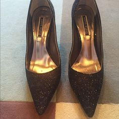 Nwot Anne Klein Black Sparkly Pointed Toe Pumps