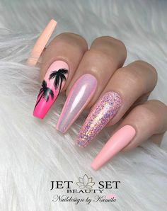 Make an original manicure for Valentine's Day - My Nails Gorgeous Nails, Love Nails, Pink Nails, Pretty Nails, My Nails, Glitter Nails, Summer Acrylic Nails, Best Acrylic Nails, Acrylic Nail Designs