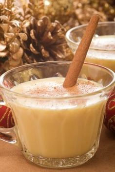Alcoholic Eggnog (has calorie count) Eggnog Cocktail, Cocktail Recipes, Christmas Cocktails, Christmas Holidays, Christmas Recipes, Low Calorie Drinks, What Recipe, Yummy Drinks, Alcohol