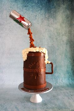 How to make a gravity defying beer can cake. Use the same method to make a multitude of 'pouring' cakes.