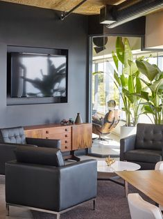 Kingdom Industry has designed a new office space for cloud-based construction management software company Procore