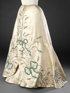 haute couture fashion Archives - Best Fashion Tips 1890s Fashion, Edwardian Fashion, Vintage Fashion, Historical Costume, Historical Clothing, Vintage Gowns, Vintage Outfits, Victorian Dresses, Edwardian Dress