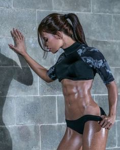 Great Abs www.OnlyRippedGirls.Com #Fitness #Gym #FitnessModel #Health #Athletic #BeachGirl #hardbodies y