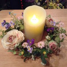 本物のように灯る LEDキャンドルです。 造花なので、インテリアとして長いこと楽しんでいただけます。  #造花