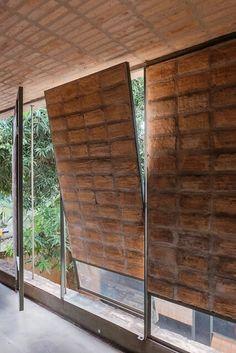 sergio fanego y solano benitez Architecture Durable, Detail Architecture, Tropical Architecture, Brick Architecture, Sustainable Architecture, Brick Design, Door Design, House Design, Brick In The Wall