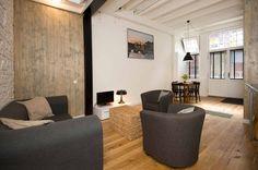 The Warehouse is een modern appartement gesitueerd in een 19e eeuws pakhuis midden in het centrum van Amsterdam. Het is geschikt voor 2 tot 4 personen.