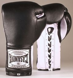 Original Deportes Casanova Sparring/Training Boxing Gloves - Black/White