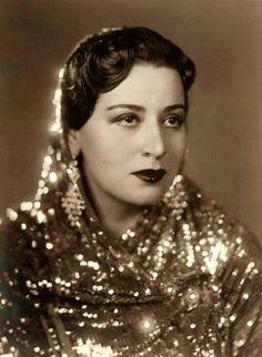 سيدة مصرية من اربعينات القرن الماضي