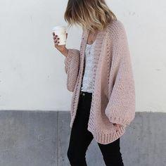 The pink cardigan ✔️ Shop at www.damoyantwerp.com #minimalism #damoy #minimalchic #ilovemrmittens