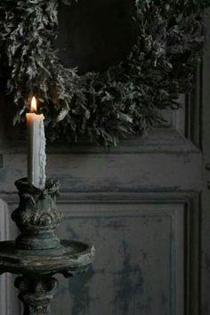 Gray wreath