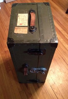 K Very Old Vintage Industrial Steamer Army Leather Storage Trunk St C.c.