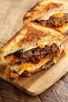 Cast Iron Patty Melt - Delivery Food - Ideas of Delivery Food - This easy recipe for gooey cheesy Patty Melts is made even easier by using Chop House Steak Burgers! Theyre the perfect solution for busy weeknight meal dilemmas! Iron Skillet Recipes, Cast Iron Recipes, Cast Iron Skillet Meals, Burger Recipes, Beef Recipes, Cooking Recipes, Easy Recipes, Tilapia Recipes, Burger Patty Recipe