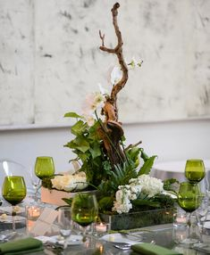 Make a statement with a single element, like a piece of driftwood. l TheKnot.com
