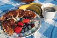 Placuszki twarogowe bez mąki z dodatkiem kaszy manny - Kuchnia pokoleń - Kuchnia pokoleń Pancakes, French Toast, Breakfast, Food, Morning Coffee, Essen, Pancake, Meals, Yemek