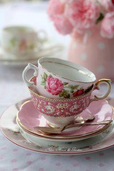 Aiken House & Gardens: Pretty Pinks