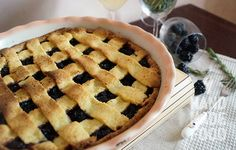 Кростата с шелковицей, белым вином и розмарином! http://handmadefood.ru/recipes/krostata-s-shelkovitsey-belym-vinom-i-rozmarinom