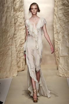I Love these designs so much! Donna Karan – SS 2011 New York Fashion Week