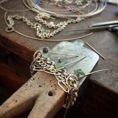 @stonzcle Bracelet of the day. Three pieces of Lake Erie beach glass on this one. #vintagechains #upcycled #lakeeriebeachglass #seaglass #seaglassbracelet #SToNZJewelry #stonz #stonzbracelet #onmybench #onthebench #riojeweler