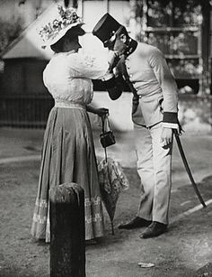 Leutnant und Nähmamsell im Wiener Prater Photo: Emil Mayer - Old Pictures, Old Photos, Wiener Prater, Austrian Empire, Best Outdoor Lighting, Maria Theresa, Heart Of Europe, Austro Hungarian, Design Your Dream House