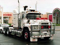 ✿ڿڰۣ(̆̃̃ღAussiegirl                                         Mack Truck