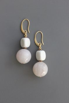 15 Pearls white glass drops 1.3 x 0.7 cm wedding beads to create jewelry