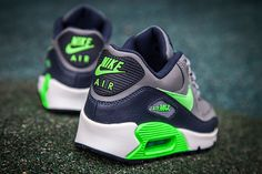 By now you should know the rapport Nike has with the Seattle Seahawks. The close proximity Nike's Beaverton campus has with the only Pacific Northwest football franchise led to the Swoosh redesigning Seattle's uniforms in a way to make them … Continue rea Nike Free Shoes, Running Shoes Nike, Nike Shoes, Nike Air Max Kids, Air Max Sneakers, Sneakers Nike, Air Max 90 Leather, Nike Free Runners, Buy Shoes Online