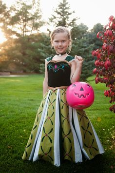 Very Homemade: Anna's Coronation Dress with How To.