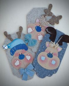 Bambine su bottone 2 – Country Creations Christmas Art, Xmas, Christmas Ornaments, Christmas Ideas, Cute Baby Gifts, Reno, Felt Ornaments, Gift Tags, Cute Babies