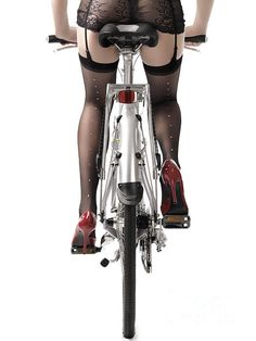 If I rode my bike dressed like this would it make me safer by being more noticeable to oncoming traffic? :)