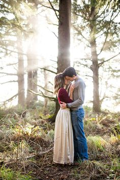 Oregon Coast Engagement | Photo by Nikita Lee Photography | Read more -  http://www.100layercake.com/blog/wp-content/uploads/2015/04/Oregon-Coast-Engagement-Session