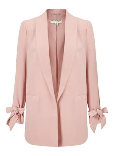 Miss Selfridge Blush Bow Sleeve BlazerBlush Bow Sleeve Blazer Stay on trend through out the cold weather months with our must have blush bow sleeve blazer. With a bow sleeved detail, this makes th… Cold Weather Jackets, Mode Rose, Blazer And Shorts, Evening Attire, Pink Jacket, Blazer Fashion, Dress And Heels, Trench Coats, Vestidos