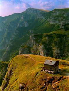 Caraiman chalet in the Carpathian mountains Romania (by frubnosis). more with healing sounds: Bulgaria, Wonderful Places, Beautiful Places, Visit Romania, Romania Travel, Carpathian Mountains, Tourist Places, Eastern Europe, Beautiful Landscapes