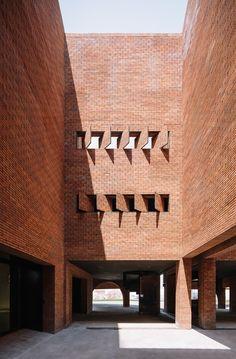 Gallery Lighting, Lighting Design, Brick Extension, Le Hangar, Centre, Monumental Architecture, Cabinet D Architecture, Brick Arch, Lotus Pond
