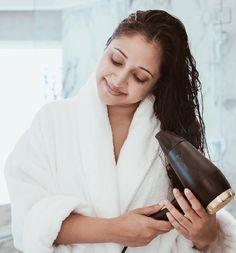 Scegliete il phon GoldPro di Bio Ionic con la sua foglia d'oro che idrata i capelli durante l'asciugatura, li condiziona ed elimina l'effetto crespo!
