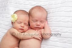 I absolutely love this.. there is no bond like the bond between twins <3