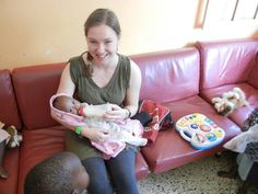 Volunteer programs in beautiful Uganda with Love Volunteers!