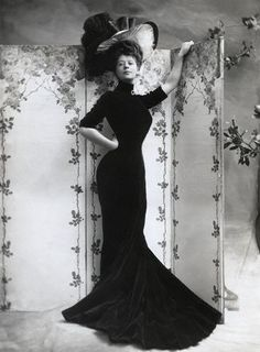 1906. Miss Camille Clifford by Bassano.