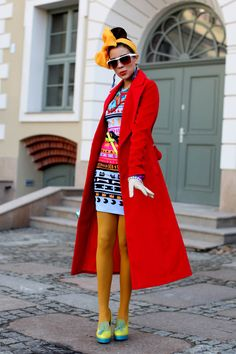 Scarf Style Swoon: Tamara of Macademian Girl Quirky Fashion, Colorful Fashion, Pop Fashion, Girl Fashion, Fashion Tights, Street Fashion, Fashion Ideas, Couture Mode, Couture Fashion
