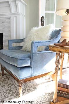 Chic Home Update: Velvet Chair Blue Velvet Couch, Velvet Armchair, Cool Chairs, Blue Chairs, White Chairs, Lounge Chairs, Accent Chairs, Dining Chairs, Design Apartment