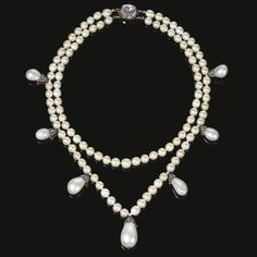 Magnificent natural pearl & diamond necklace - Queen Joséphine de Beauharnais, Queen of Sweden & Norway (1807-1876) Two strands of natural pearls measuring from approx 6.25 to 8.45mm, suspending 7 detachable drop shaped natural pearls, from approx 9.50 x 9.55 x 13.85mm to 14.10 x 14.85 x 21.25mm, capped /rose diamonds, the clasp set w/a cushion-shaped diamond, shortest length approx 400mm, each pearl strand detachable, fitted case, accompanied by a portrait of the Queen wearing the necklace.