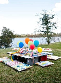 61 Amazing Outdoor Summer Party Decorations Ideas - The Expert Beautiful Ideas Disney Up, Summer Party Decorations, Rainbow Balloons, Luau Party, Art Party, Partys, Deco Table, Childrens Party, 1st Birthday Parties