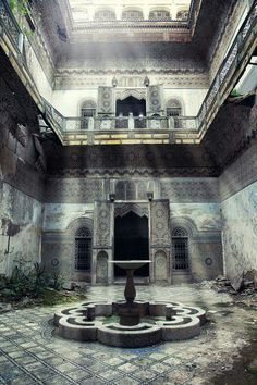 An abandoned Riad in the old medina, in Fez, Morocco!  by Un jour, une photo