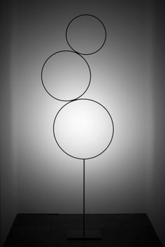 Italian lighting collection by Catellani and Smith. True beauty is that it is called Sorry Giotto, which is a play on Giotto's ability to draw a perfect circle. So clever. find it at Lichtstudio Eisenkeil I Marlengo I Bolzano I Brunico I Vomp